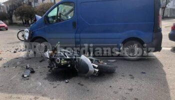 В Бердянске мотоцикл столкнулся с микроавтобусом, трое пострадавших — «ДТП»