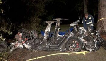 В США два человека погибли при аварии в Tesla без водителя — «ДТП»