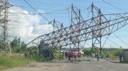 ДТП в Киеве: на мосту столкнулись шесть авто, грузовик снес ЛЭП — «ДТП»